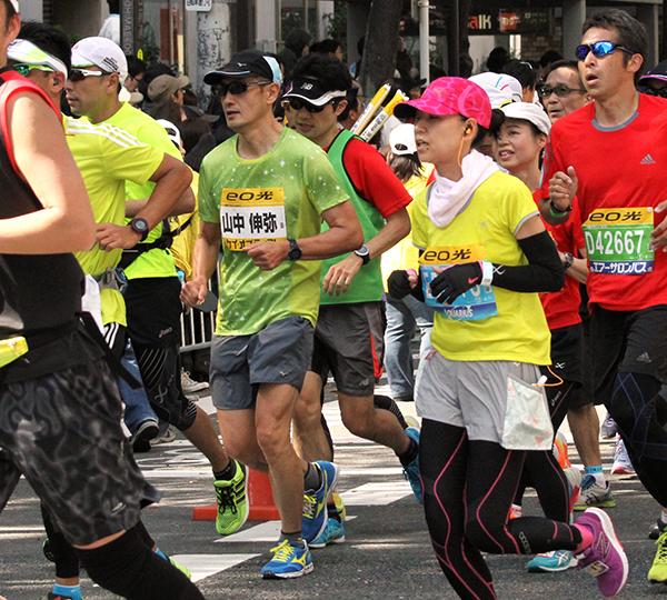 【写真】大阪マラソンに2年ぶりに出場した山中教授=大阪市(撮影=坂本知奈美)