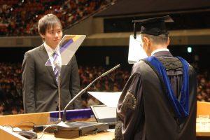 法務博士(専門職)学位記を授与される大学院生代表