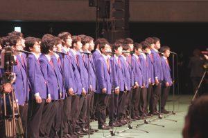 合唱を披露した男声合唱団