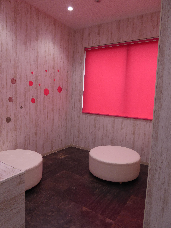 全学教育講義棟のトイレのコミュニティスペース(提供=大阪大施設課)
