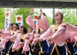 学内のよさこいサークル「京炎そでふれ!京小町」が4月29日、ATC(アジア太平洋トレードセンター)を中心に行われた大阪のベイエリア祭「Worldあぽろん」に出場した。京小町は、賞の1つである「難波津賞」を受賞した。