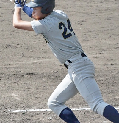 【11・12月号掲載】【硬式野球】優勝争い絡むも6季連続4位